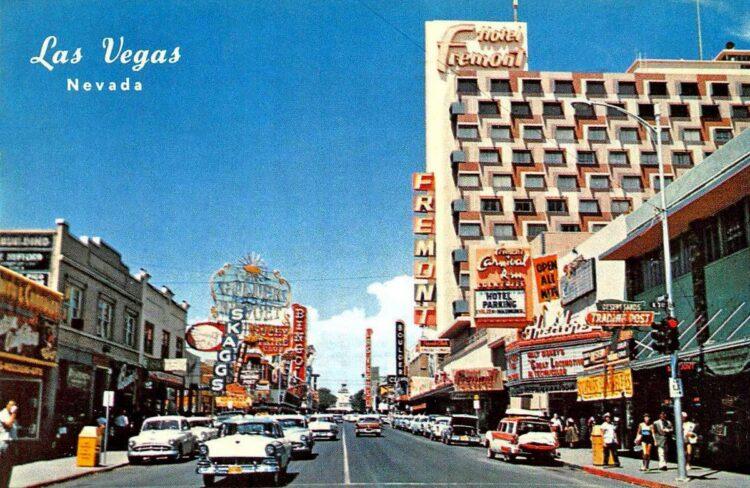 Vintage Las Vegas postcard - 1950s