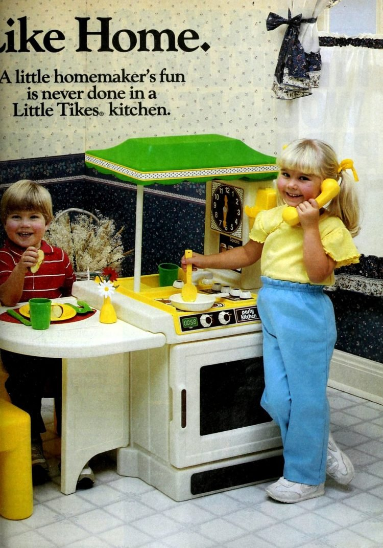 Vintage Little Tikes play kitchens from 1987 (1)