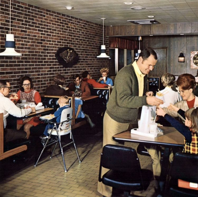 Vintage McDonald's resturants in the 1960s (1)