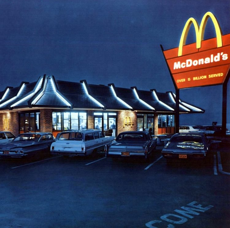 Vintage McDonald's resturants in the 1960s (2)