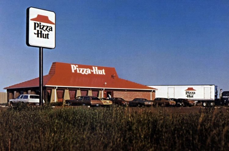 Vintage Pizza Hut restaurants - 1976 (10)