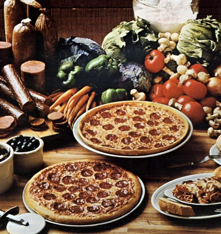 Vintage Pizza Hut restaurants - 1976 (2)
