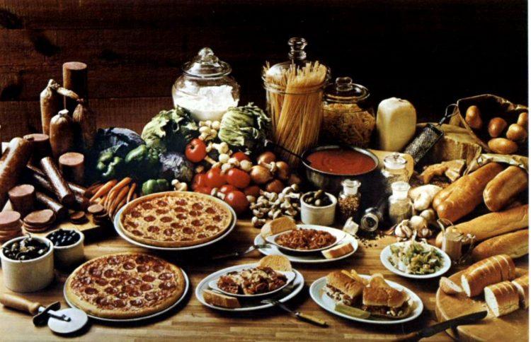 Vintage Pizza Hut restaurants - 1976 (3)