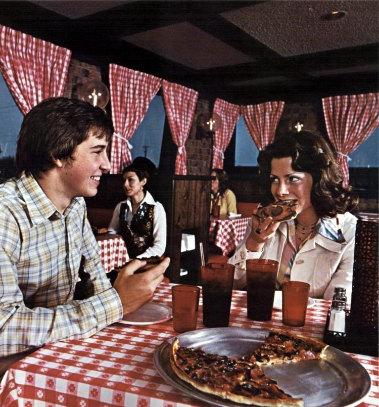 Vintage Pizza Hut restaurants - 1976 (8)