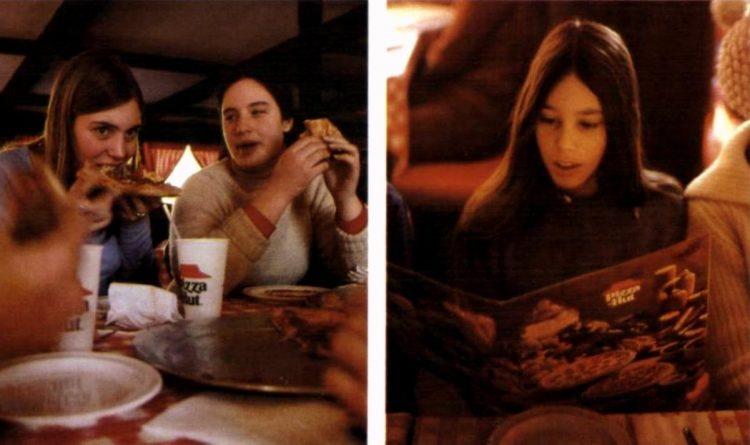Vintage Pizza Hut restaurants - 1977 (1)