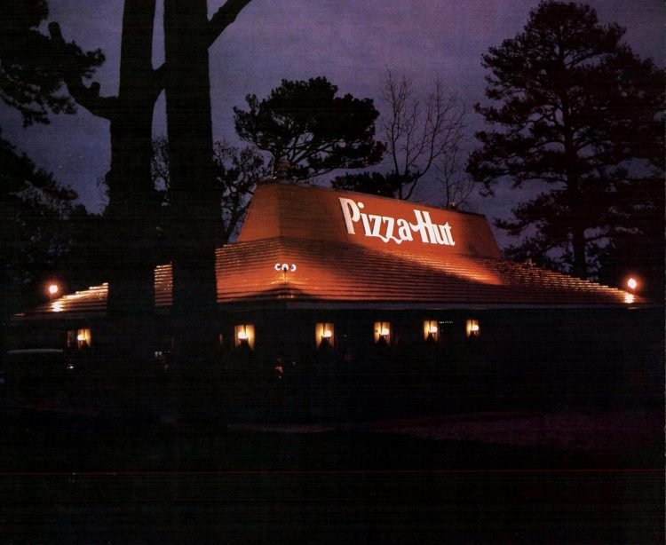 Vintage Pizza Hut restaurants - 1977 (3)