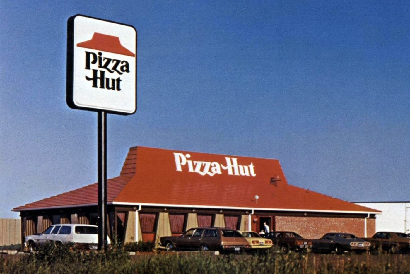Vintage Pizza Hut restaurants and foods from the 70s