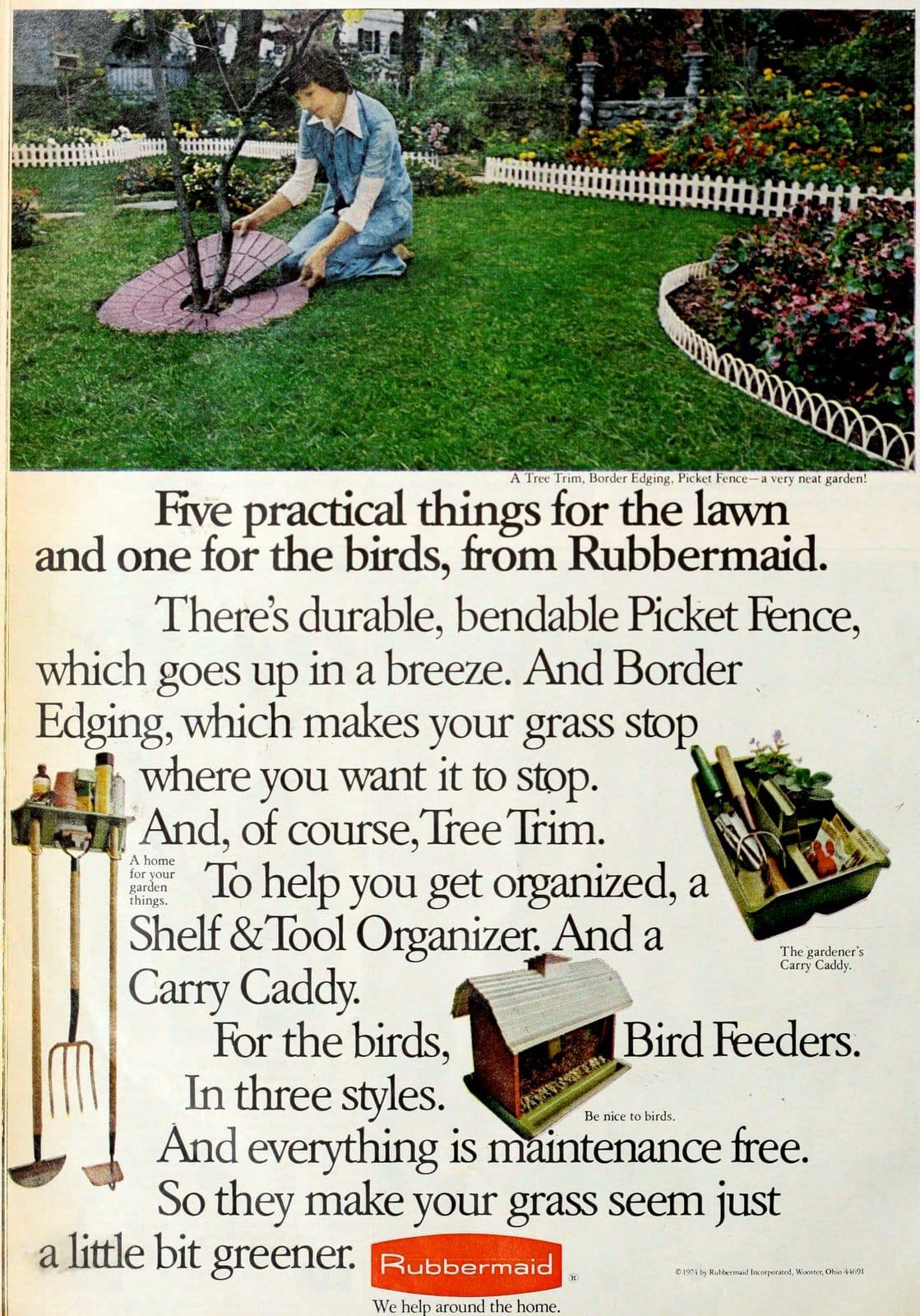 Vintage Rubbermaid plastic border fence for garden (1974)