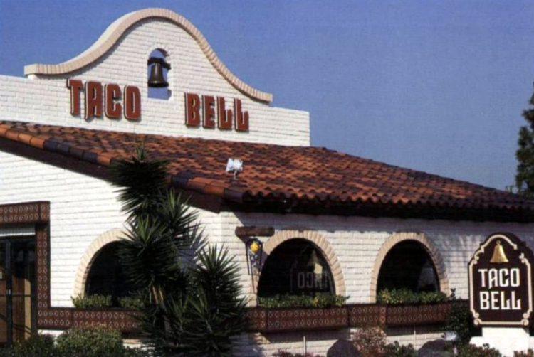 Vintage Taco Bell restaurant in 1983