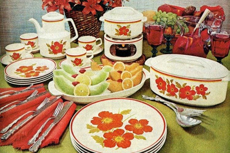 Vintage Temper-Ware dish set