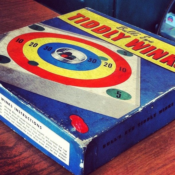 Vintage Tiddlywinks game box - Bull's Eye Tiddly Winks