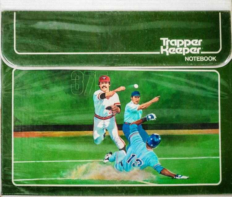 Vintage Trapper Keeper binder - baseball