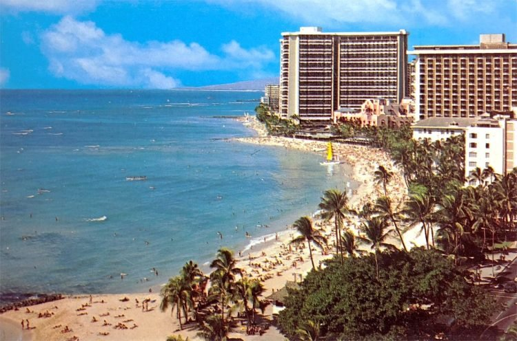 Vintage Waikiki Hawaii beach hotels 1970s