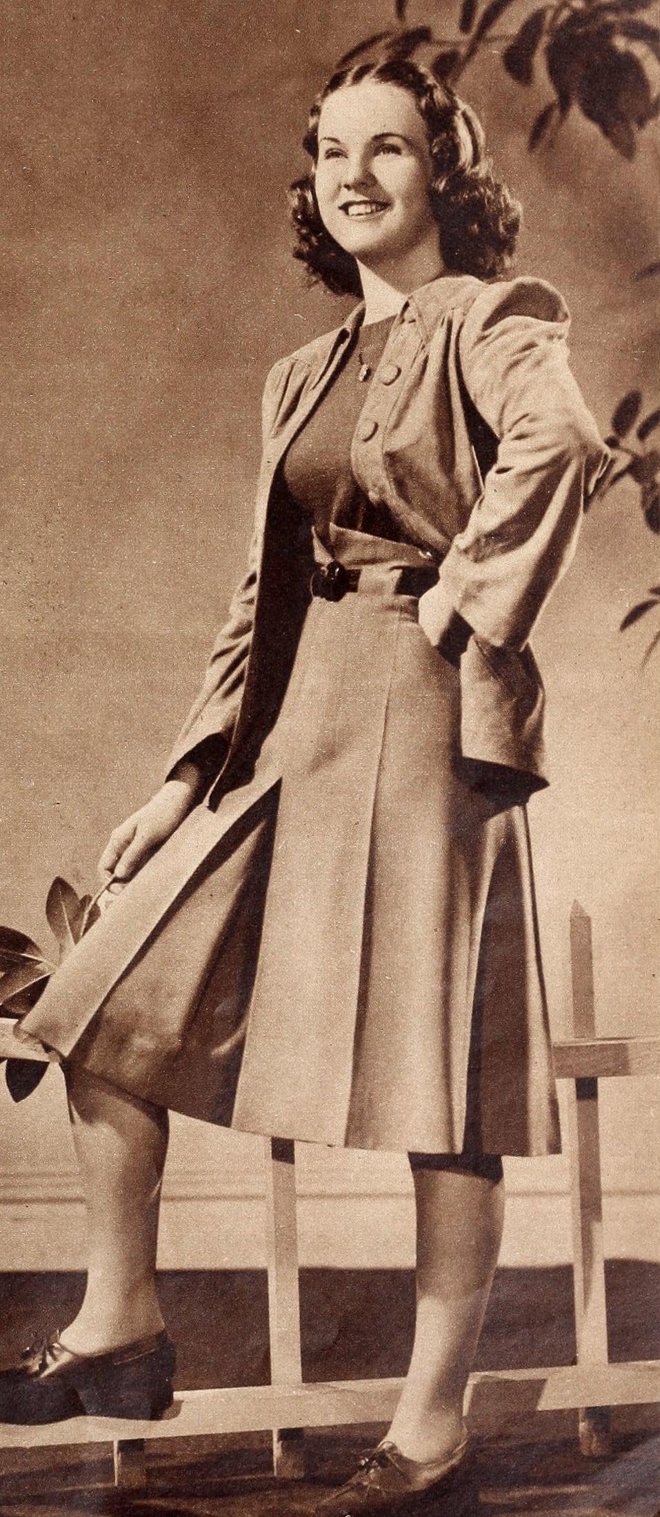 Vintage acress Deanna Durbin modeling culottes (1940)