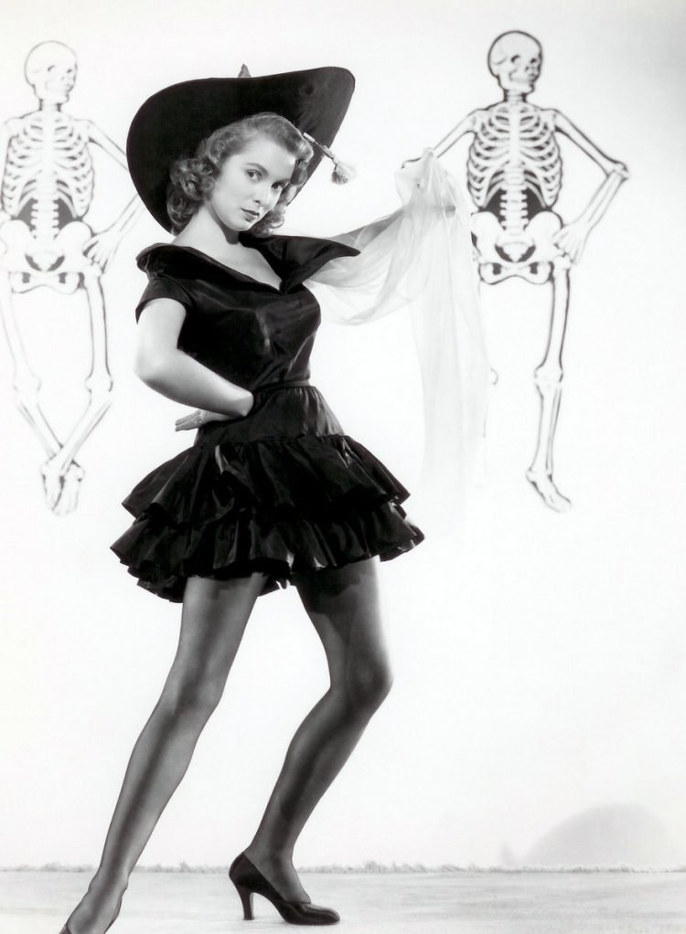 Vintage actress Janet Leigh Halloween pinup 1940s