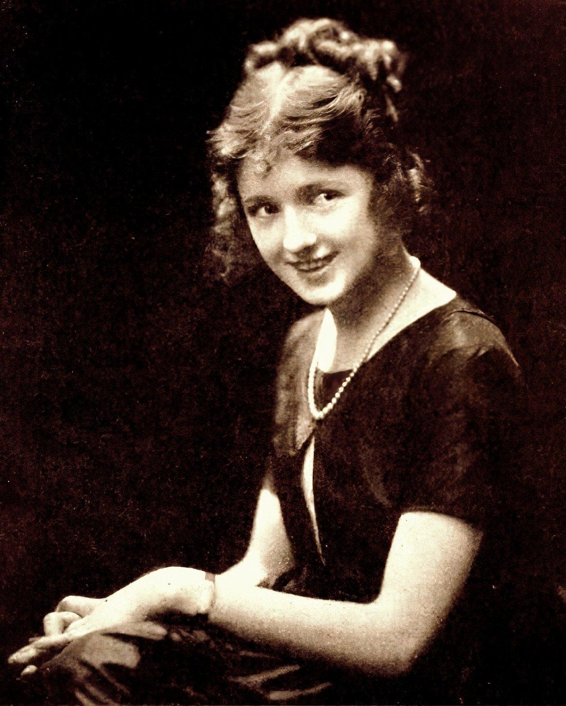 Vintage actress Vivian Martin in 1920
