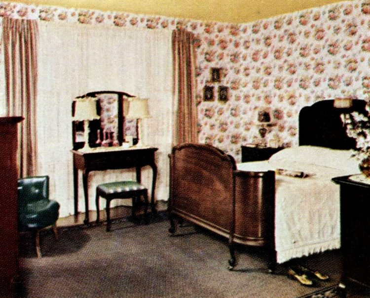 Vintage bedroom redecorating from the 1940s Before