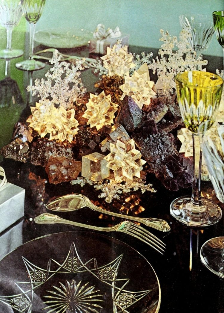 Vintage centerpiece ideas from the 60s and 70s (6)