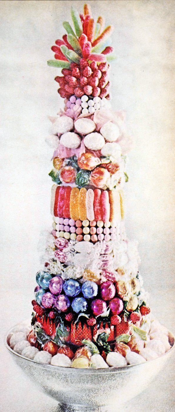 Vintage centerpiece ideas from the 60s and 70s (9)