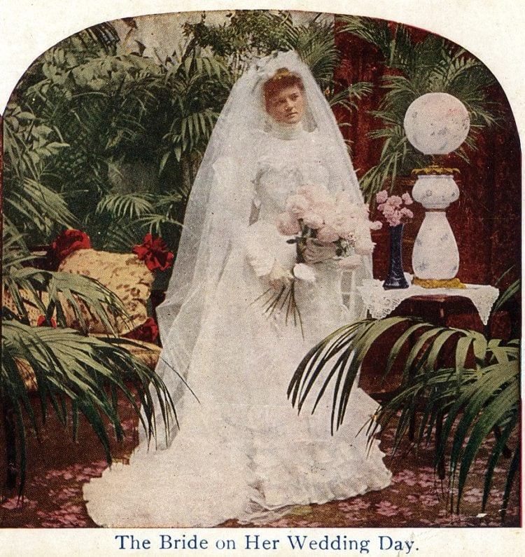 A new way to display wedding gifts (1902)