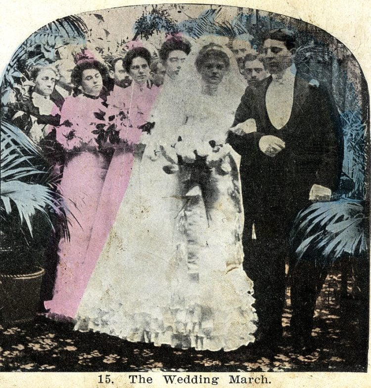 Vintage church wedding - Marriage ceremong with bride and groom (5)