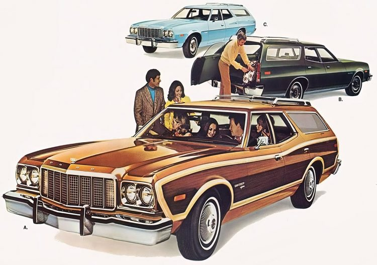 Vintage classic Ford Torino station wagon 1970s (2)