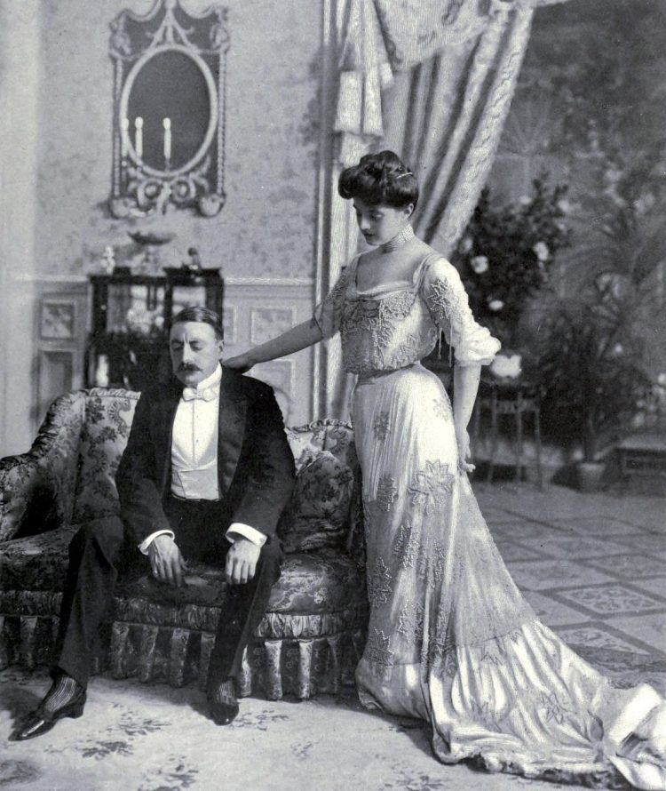 Vintage couple - Turn of the century