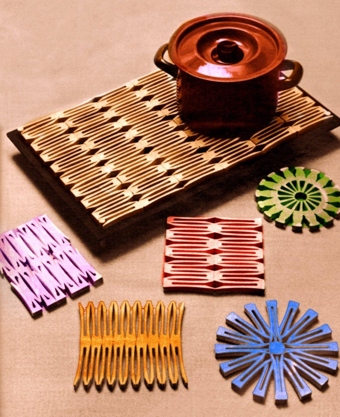 Easy Vintage Crafts How To Make Wooden Clothespin Trivets Coasters Click Americana