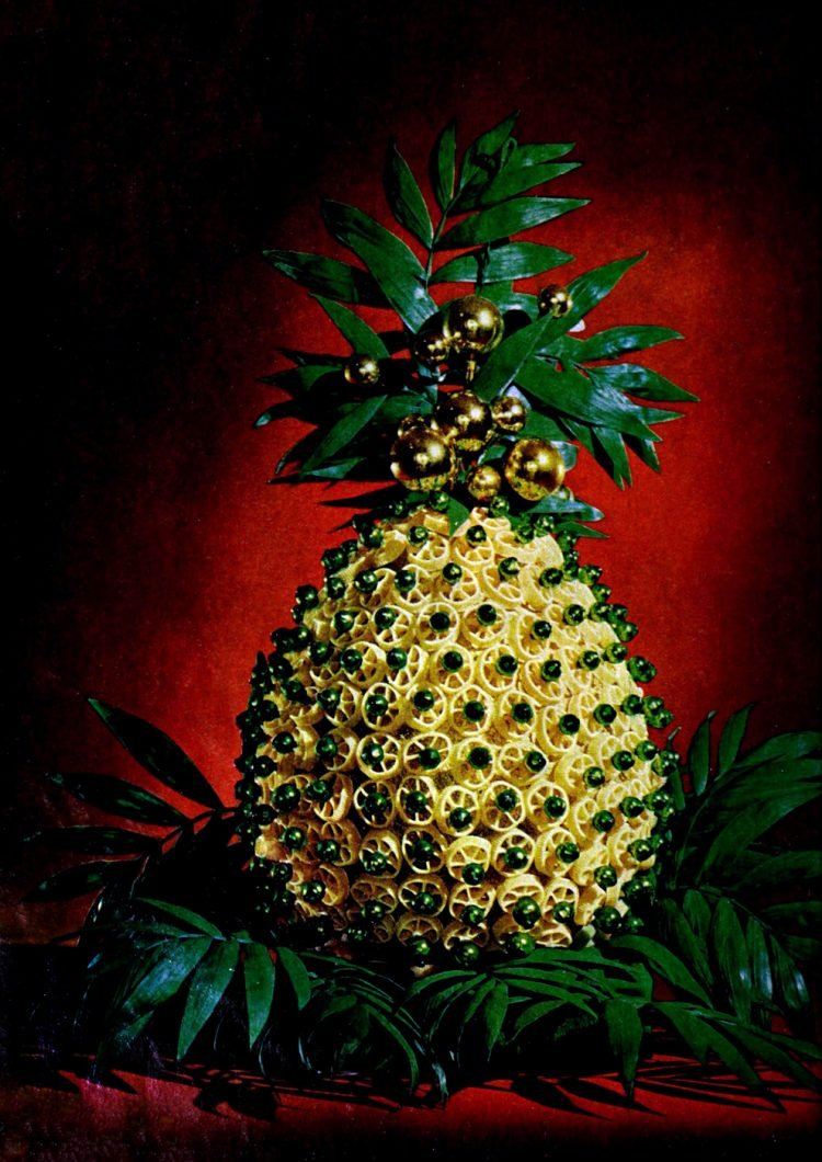 Vintage crafts - A pasta pineapple project