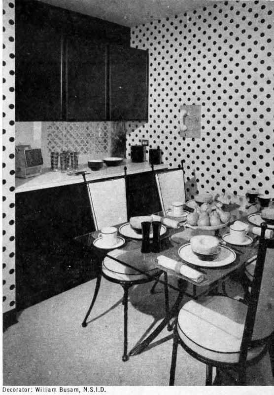 Vintage dinette decor - Dotty wallpaper