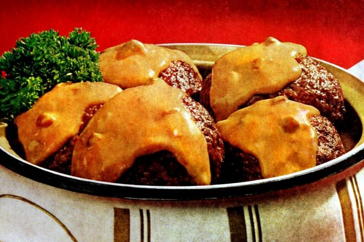 Vintage dinner recipe -Burger Bundles casserole (1968)