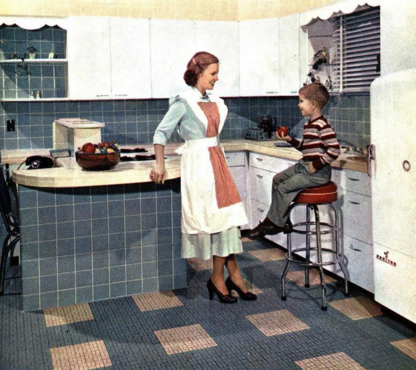 Vintage fifties-style tiled kitchen