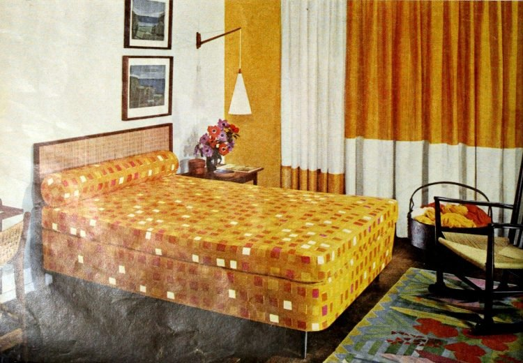 Vintage gold yellow bedroom decor from the 50s (1)
