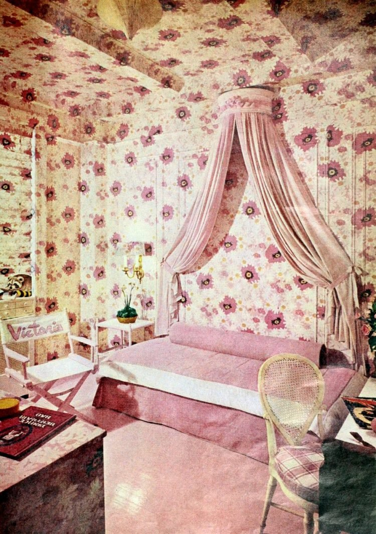 Vintage home decor from 1966 - Pink floral bedroom with wallpaper everywhere