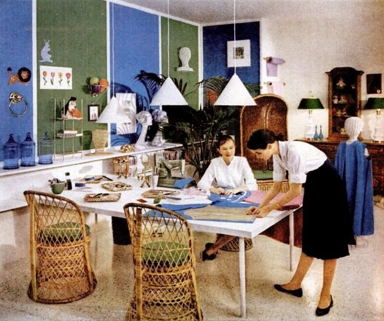Vintage kids' bedroom decor Place for a girl with a hobby 1960 (2)