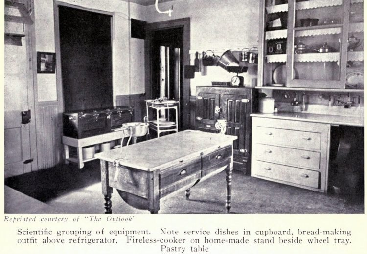 Vintage kitchen from the early 1900s (3)