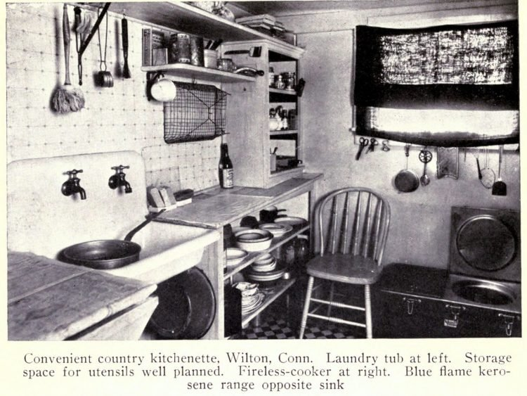 Vintage kitchen from the early 1900s (4)