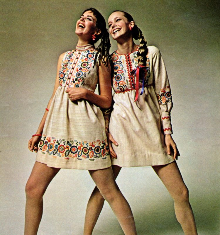 Vintage mini dress fashions for juniors and teens from 1970