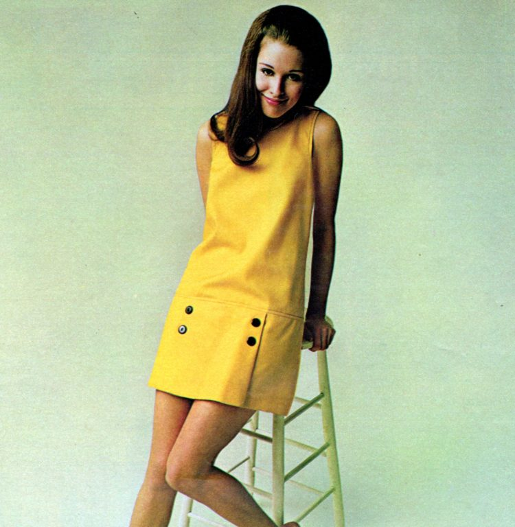 Vintage fashions for juniors and teens from 1970 (4)