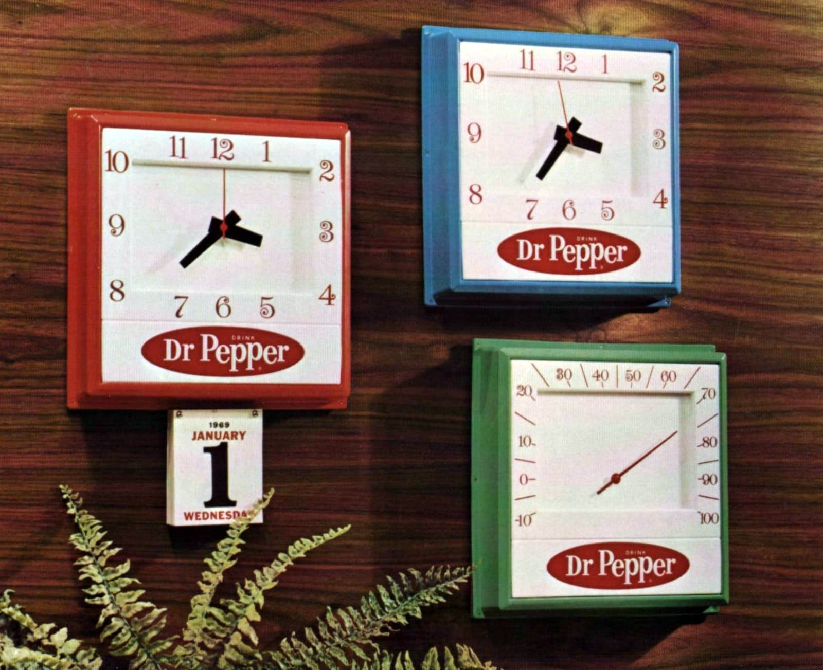 Vintage mod Dr Pepper clocks and thermometers (1968)