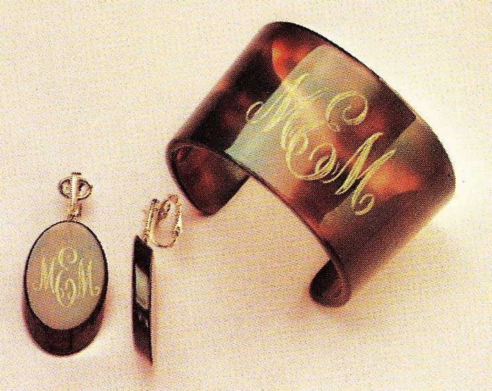 Vintage mod bangle bracelets of the 1960s (1)