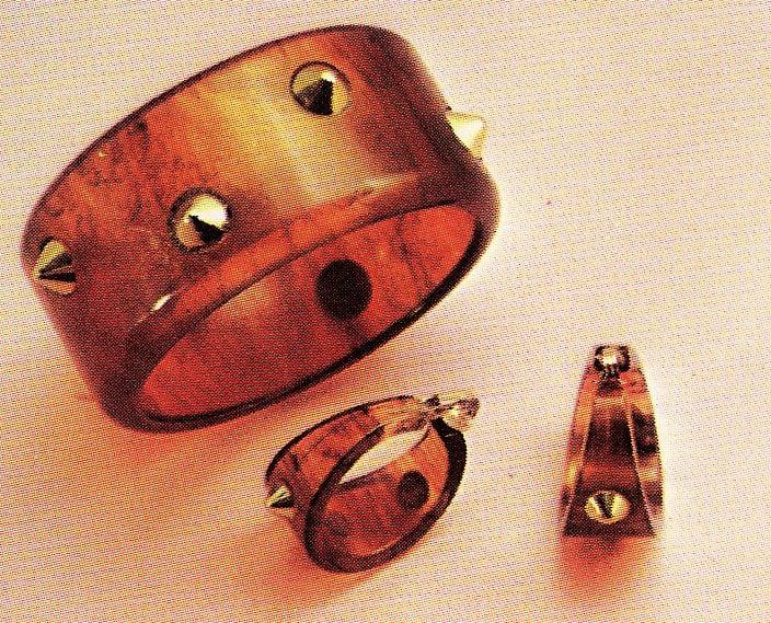 Vintage mod bangle bracelets of the 1960s (3)