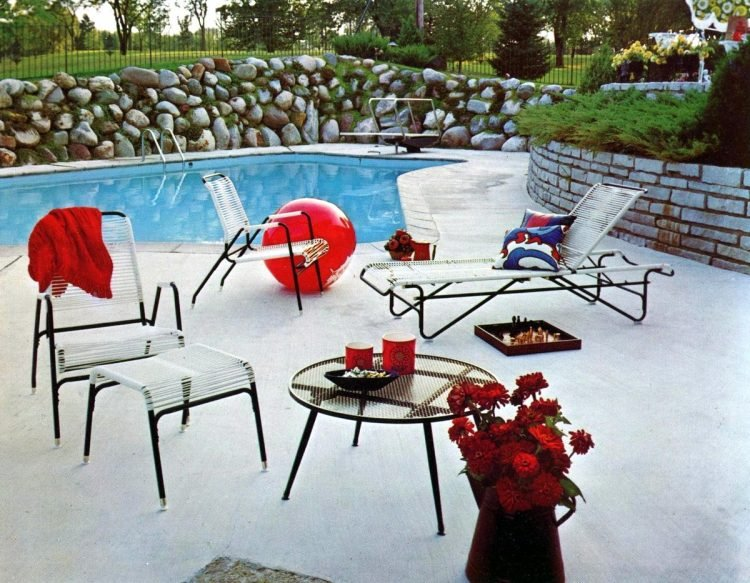 Vintage patio furniture from 1972 (3)