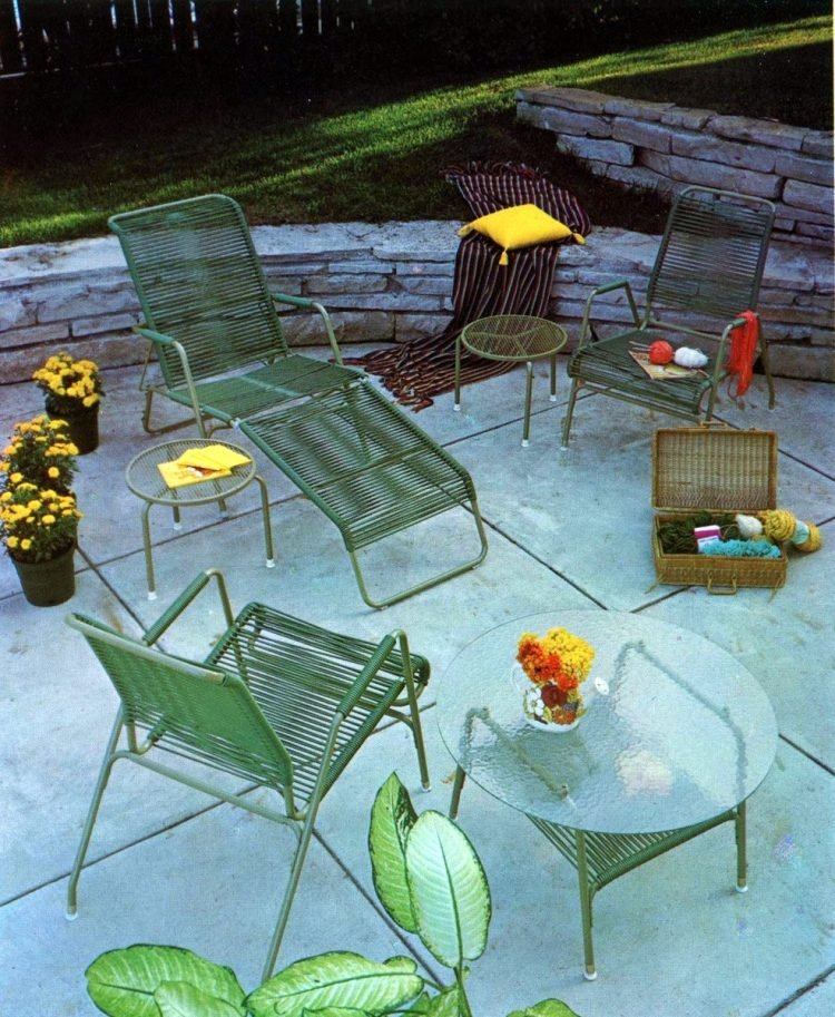 Vintage patio furniture from 1972 (4)