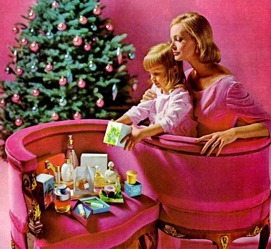 Vintage pink S-shaped loveseat aka tete-a-tete or kissing bench (1967)