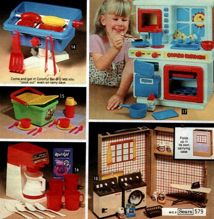 Vintage play kitchen toys from 1981 (5)