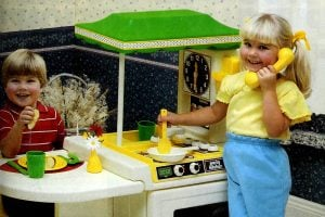 Vintage play kitchens - Toys for cooking fun