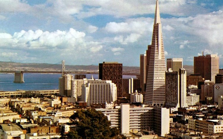 Vintage postcard of downtown San Francisco in the 1970s