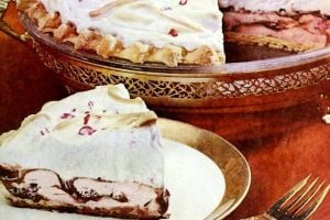 Vintage recipe for Fudge ribbon pie with peppermint ice cream (1968)
