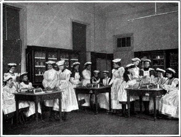 Vintage school classrooms in 1899 (3)